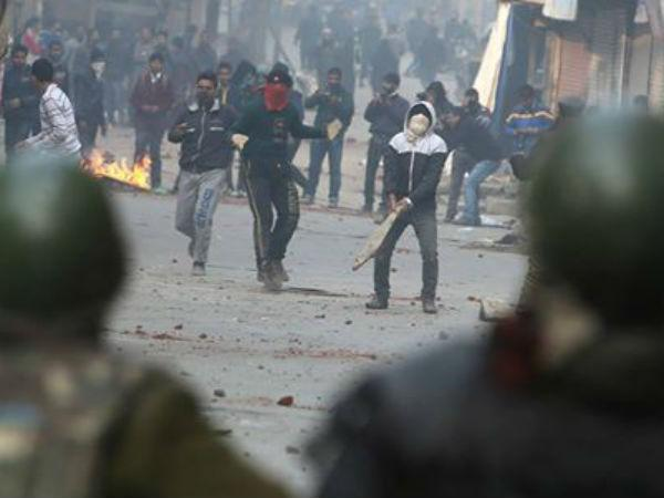 Anti-election demonstrators clash with police in J&K; Police detain 5 FB users for spreading rumours