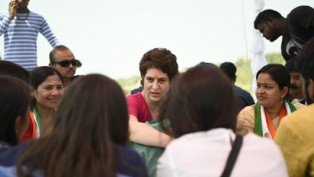 Congress General Secretary Up-East Priyanka Gandhi Interacts With People During Election Campaign