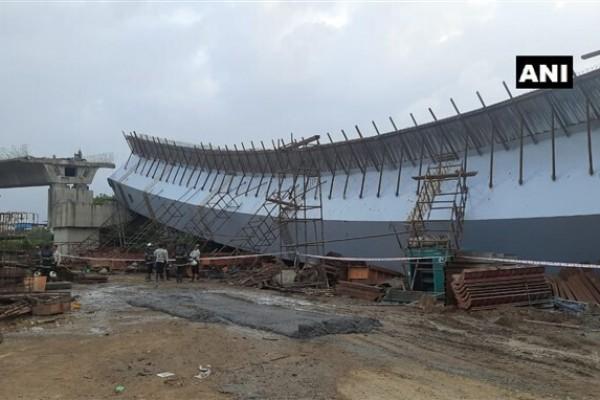 ಚಿತ್ರಗಳು: ಬಾಂದ್ರಾದಲ್ಲಿ ನಿರ್ಮಾಣ ಹಂತದಲ್ಲಿದ್ದ  ಸೇತುವೆ ಕುಸಿತ