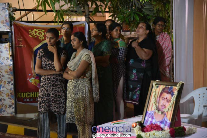 Kansas Shooting: Family Receives Mortal Remains Of Srinivas Kuchibhotla