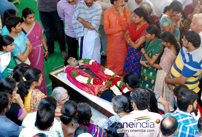 Last Rites Of Kansas Victim Srinivas Kuchibhotla Performed In Hyderabad