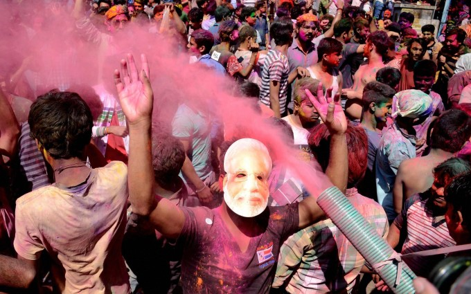 Holi Celebrations Across India 2017