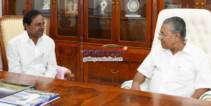 Telangana CM KCR Hosts Lunch To Kerala CM Pinarayi Vijayan