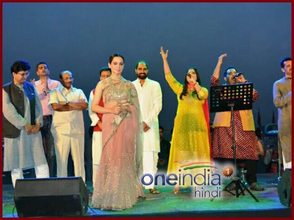 Kangana Ranaut In Varanasi Ganga Arti