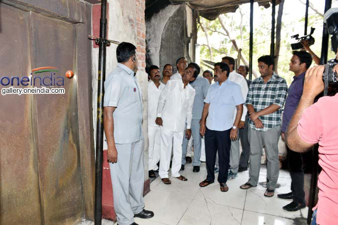 Telangana CM KCR On Tuesday Has Visited The Andhra Jyothi Office