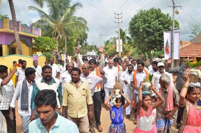 Photo Gallery: BJP Jana Samparka Abhiyana By BS Yeddyurappa