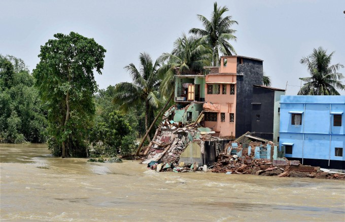 Heavy Rainfall In West Bengal 2017 Photos: HD Images