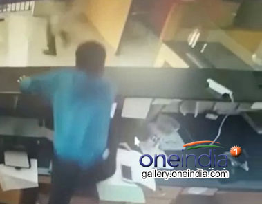 Daring Robbery Bid At Hyderabad Muthoot Finance Branch