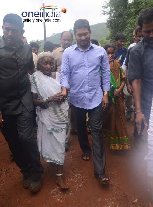 Photo Gallery: YS Jaganmohan Reddy Visits Chaparai Village East Godavari District