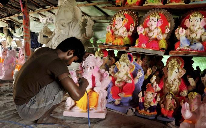Ganesh Chaturthi Celebration Across India 2017