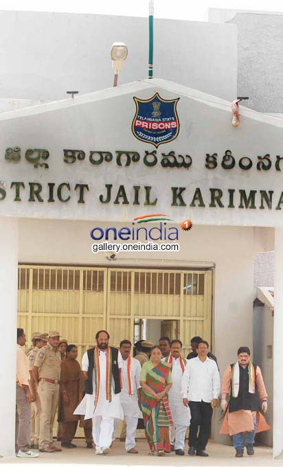 Photo Gallery: Meira Kumar Meets Victims Of Alleged Police Torture In Telangana Jail
