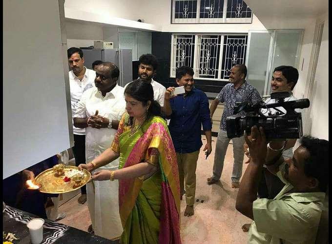 HD Kumaraswamy Housing Ceremony After Renovation