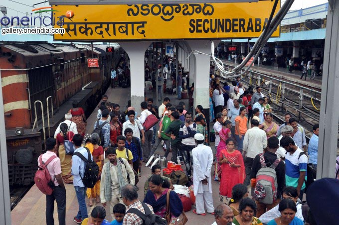 Heavy Rush At Hyderabad Bus Stand And Railway Station