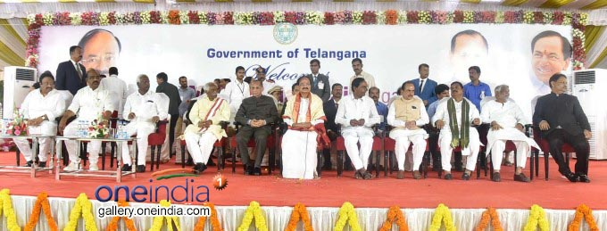 M Venkaiah Naidu Felicitated At Rajbhavan In Hyderabad