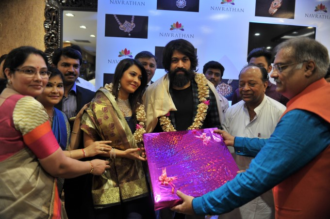 Navarthan Jewellers Launches Its Exclusive Diamond Boutique At Jayanagar In Bengaluru