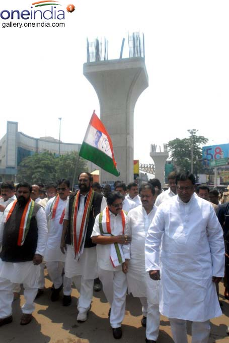 Telangana Congress Leaders Visits Ongoing Metro Railworks