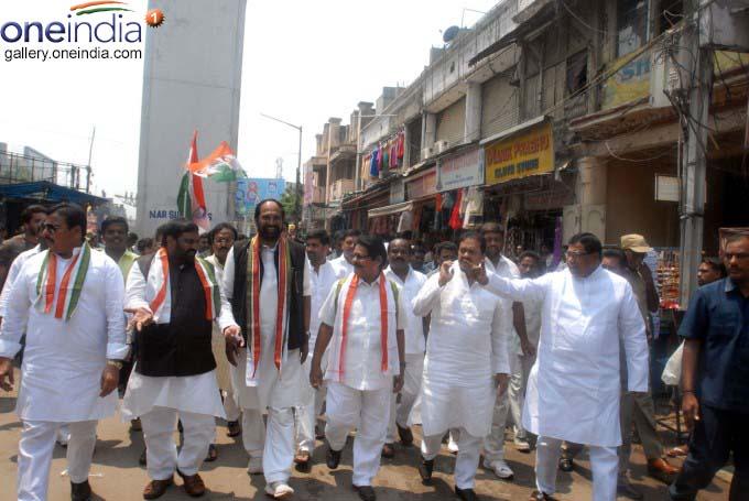 Telangana Congress Leaders Visits Ongoing Metro Railworks