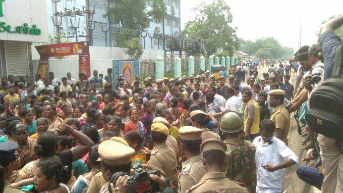 Photo Gallery: Fishermen Protest Against Minister Jayakumar In Chennai