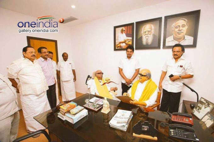 Photo Gallery: DMK Chief Karunanidhi Visits Murasoli Exhibition