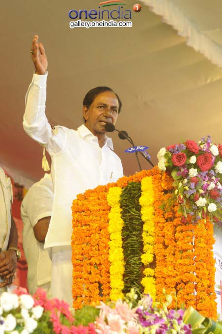 Telangana CM KCR Lays Foundation Stone For Mega Textile Park In Warangal