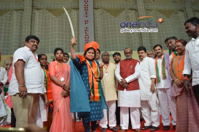 Photo Gallery: BJP MP Poonam Mahajan Takes On TRS, Congress, MIM