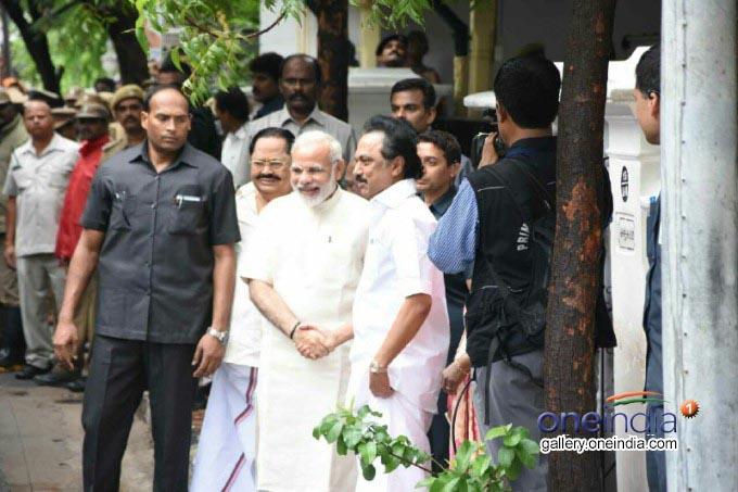 PM Narendra Modi Meets DMK President M Karunanidhi