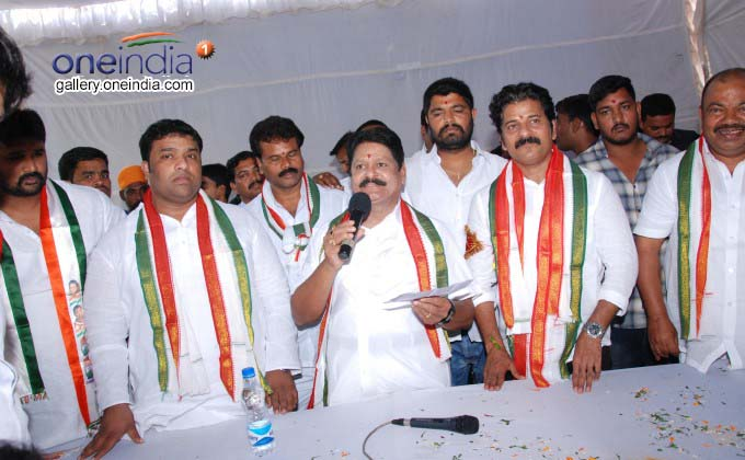 Photo Gallery: Revanth Reddy At Sarvey Sathyanarayana Residence In Mahendra Hills