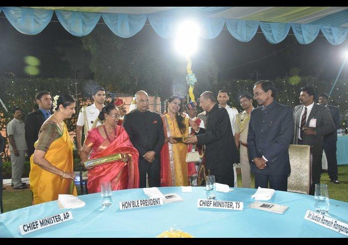 Governor Narasimhan Hosts Dinner For President At Raj Bhavan