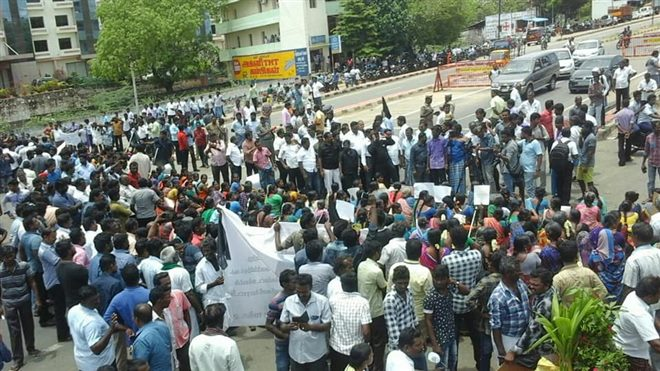 Village People Lay Siege To Thoothukudi District Collector Office Against Sterlite