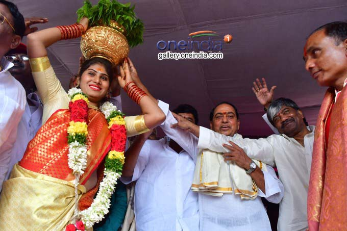 Golkonda Bonalu Commenced Grandly In Hyderabad