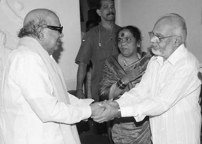M Karunanidhi With Karnataka Politicians