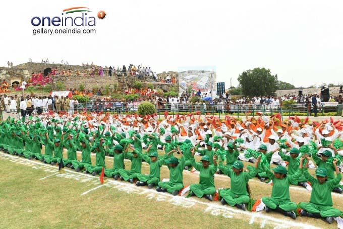 Telangana CM KCR Unfurls Tricolor At Golconda Fort