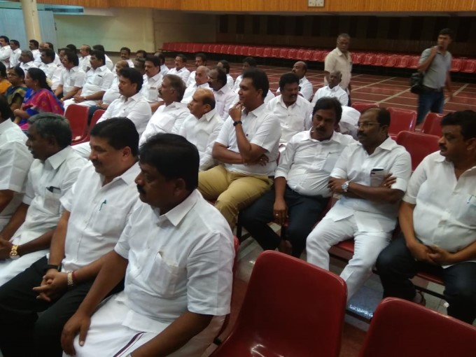 DMK Meeting Adopts 8 Resolutions