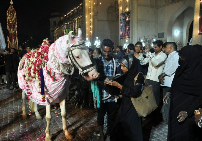 News In Photos (12 September 2018)   Photos Of Top News Today - Oneindia Gallery