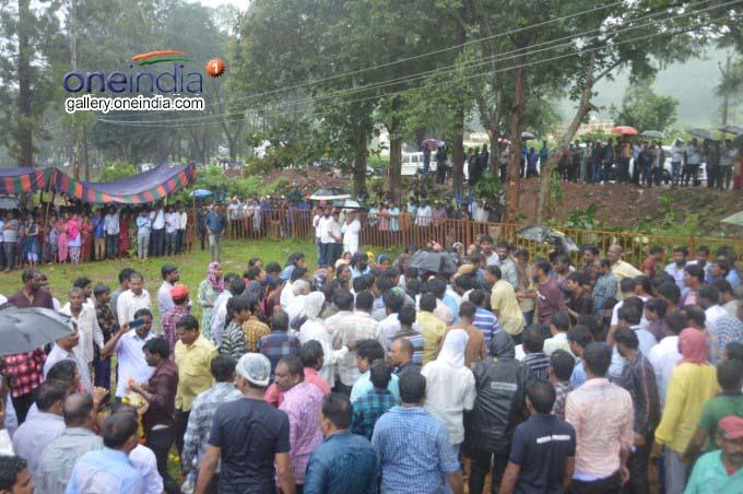 Last Rites Of Andhra MLA Sarveswara Rao