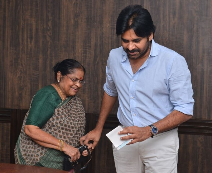 Pawan Kalyan Mother Anjanamma Donates To Janasena Party