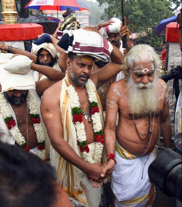News In Photos (16 November 2018) | Photos Of Top News Today - Oneindia Gallery
