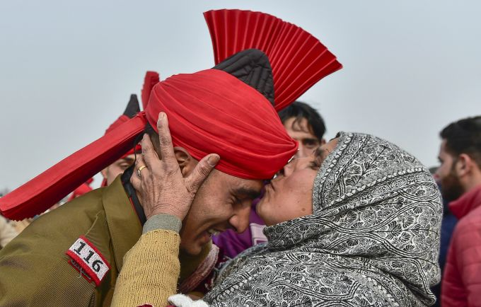 News In Photos (8 December 2018) | Photos Of Top News Today - Oneindia Gallery