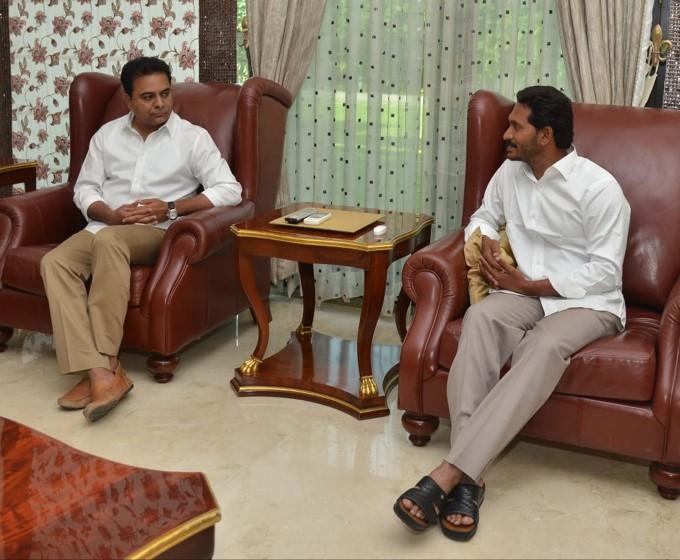 KT Rama Rao Meets YSRCP Chief YS Jaganmohan Reddy