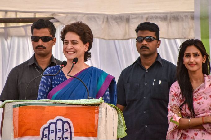 News In Photos (22 April 2019) | Photos Of Top News Today - Oneindia Gallery