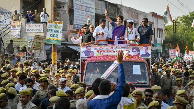 News In Photos (25 April 2019)   Photos Of Top News Today - Oneindia Gallery