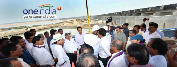 Telengana CM KCR At Kaleshwara Mukteswara Swamy Temple And Kannepalli Pump House