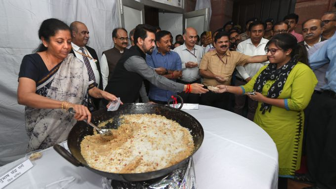 News In Photos (22 June 2019) | Photos Of Top News Today - Oneindia Gallery