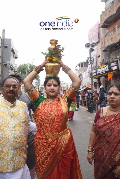 Lal Darwaja Old City Bonalu In Hyderabad