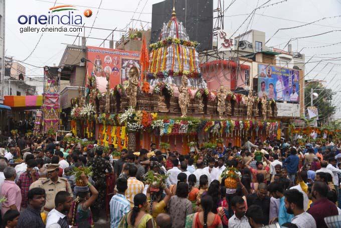 Lal Darwaja Old City Bonalu In Hyderabad