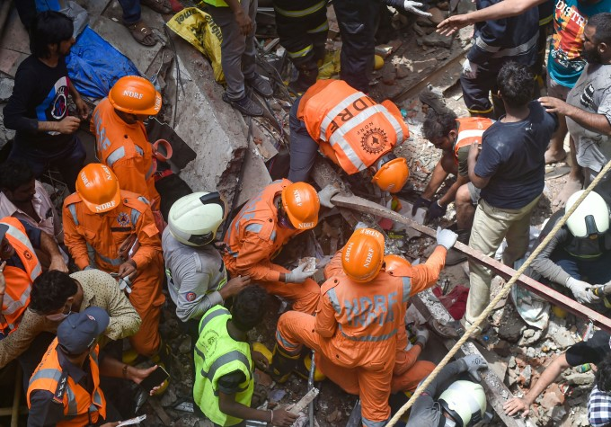 4 Storey Building Collapse In Mumbai