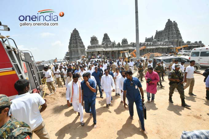 Telangana CM KCR Reviews Yadadri Temple Works