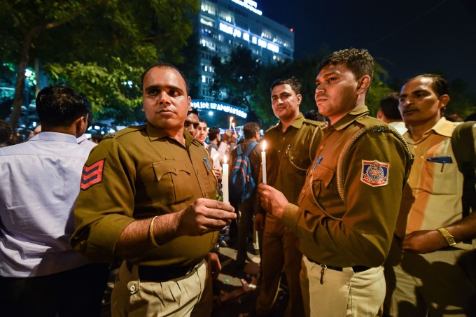 Police Personnel Protest Outside Police HQ In Delhi