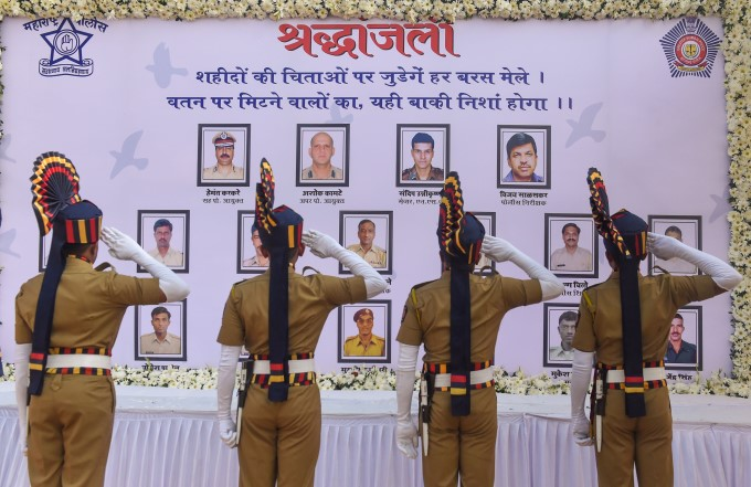 Nation Pays Tribute To Victims On 11th Anniversary Of Mumbai Attack