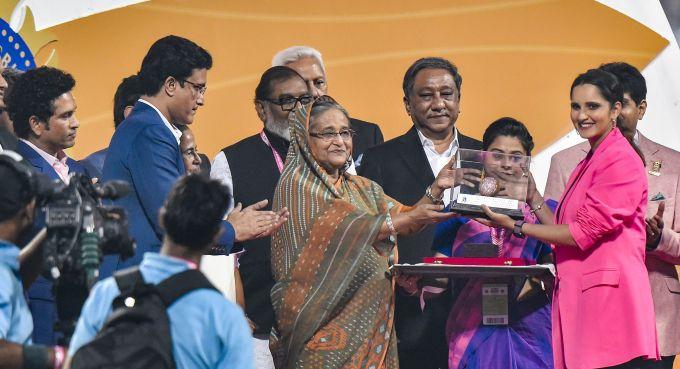 News In Photos (22 November 2019) | Photos Of Top News Today - Oneindia Gallery